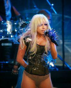 Images Lady Gaga, Lady Gaga Pictures, Lady Gaga Outfits, Lady Gaga Fashion, Lady Gaga Body, Lady Gaga The Fame, Lady Gaga Joanne, Madonna Photos, Origami Dress