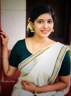 Most Beautiful Bollywood Actress, Beautiful Indian Actress, Cute Beauty, Beauty Full Girl, Beauty Girls, Desi Girl Image, Indian Bikini, Grace Beauty, South Indian Actress Hot