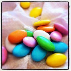 #crispo #confetti - @confetticrispo | Webstagram      i tradizionali confetti colorati al cioccolato per ogni occasione lieta.