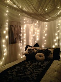 35 Fantastic Led String Lights Decor Girls Bedroom LED lights for home interior come in various forms: strips, panels, or tabular types. Any type you use will affect the character of the room and the lighting intensity provided by the LED lights. Dream Rooms, Dream Bedroom, Girls Bedroom, Fairy Bedroom, Master Bedroom, Girl Room, Cozy Bedroom, Room Decor Bedroom, Bed Room