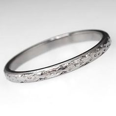 Antique Patterned Wedding Band Ring in Platinum