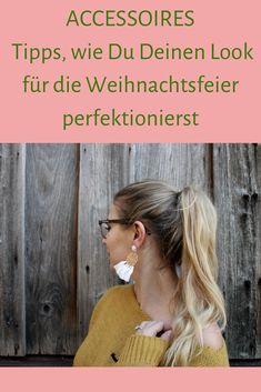 Mit diesen Tipps und Accessoires glänzt du garantiert auf jeder Weihnachtsfeier. Mit Look Inspiration und Kombinationstipps Love Fashion, German, Crochet Hats, Hair Styles, Blog, Life, Inspiration, Beauty, Celebration