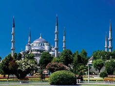 Turkey, İstanbul - the Blue Mosque.