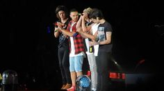 Repin if you can tell what song their singing;)
