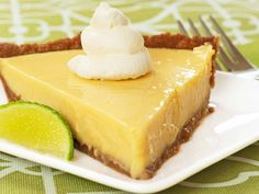 Real Florida Key Lime Pie: Made with sweetened condensed milk, egg yolks and fresh-squeezed lime juice, key lime pie is a tart and creamy custard pie baked in an easy-to-make graham cracker crust. Key Lime Desserts, No Bake Desserts, Baking Desserts, Plated Desserts, Florida Key Lime Pie Recipe, Key West Key Lime Pie Recipe, Key Lime Pie Recipe From Scratch, Homemade Key Lime Pie Recipe, Pie Recipes