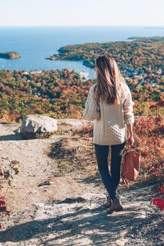 Camden Maine Travel Diary 2019 jess-ann-kirby-ll-bean-fisherman-sweater-camden-hills-state-park The post Camden Maine Travel Diary 2019 appeared first on Sweaters ideas. New England Fall, New England Style, New England Prep, October Outfits, Fall Outfits, Teen Outfits, Maine In The Fall, New England Fashion, Camden Maine
