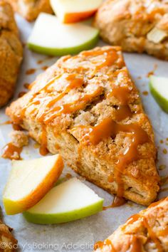 Homemade caramel apple cinnamon scones with crunchy tops, warm centers, and caramel drizzles. Perfect Fall breakfast or afternoon treat! Apple Desserts, Apple Recipes, Fall Desserts, Cinnamon Desserts, Fall Breakfast, Breakfast Recipes, Dessert Recipes, Breakfast Tart Recipe, Scone Recipes