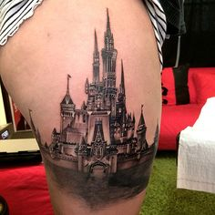 As Disney has become a staple of pop culture, it is no surprise that many people have fallen in love with their iconic works enough to get them tattooed. One of their most recognizable icons—apart from Mickey Mouse, of course—is Cinderella's castle, as you can see here in this amazing tattoo by Elvin Yong.
