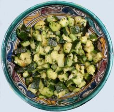 Salade de courgettes à la libanaise Lebanese Recipes, Jewish Recipes, Veggie Recipes, Vegetarian Recipes, Healthy Recipes, Salty Foods, Super Greens, Arabic Food, Cooking Light