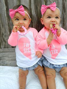 Twin Sister Raglan tee. Twin Sister, matching twins, twin tees, twin clothes, twin shirts, twin t-shirts, fraternal twins, identical twins, twin shop, twin store.