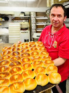 LONDON: The 24-hour Brick Lane bakery, the Beigel Bake, is famous for its salt beef bagels. Visit this East End instiution on a food tour through Shoreditch