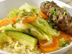 Une version du couscous qui change un peu ? La recette du couscous de rouleaux d'agneau aux petits légumes, on adore !