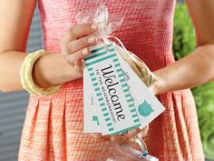 Southern Charm Tip Be a One Person Welcome Wagon - Orange Spice Sugar recipe (Southern Living) Southern Hospitality, Southern Charm, Southern Living, Southern Belle, Southern Proper, Southern Ladies, New Neighbor Gifts, The Neighbor, Homemade Gifts