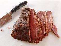 Homemade Pastrami - Easy Method for Curing and Cooking Pastrami at Home. Learn to make delicious deli-quality pastrami at home with this simple and tasty recipe, adapted from The Artisan Jewish Deli at Home cookbook. Jewish Recipes, Meat Recipes, Cooking Recipes, Smoker Recipes, Copycat Recipes, Yummy Recipes, Carne, Homemade Pastrami, Recipes