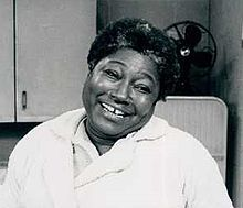 Esther Rolle- Beautiful woman and beautiful spirit. Neck.