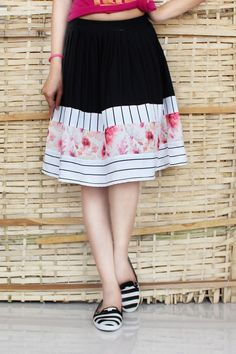 9fc5bd76938 Floral Linking black and white zig zag knee length skirt
