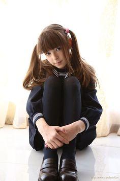 no title School Girl Japan, High School Girls, School Uniform Girls, Japan Girl, Poses References, Japanese School Uniform, Young Fashion, Girl Fashion, Girls Uniforms