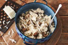Deze risotto is heerlijk romig door de mascarpone en lekker pittig door de Pecorino - Recept - Allerhande Mushroom Recipes, Veggie Recipes, Dinner Recipes, Vegas, Food Vans, Good Food, Yummy Food, How To Cook Rice, 20 Min