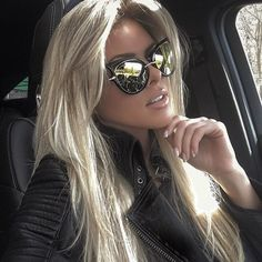 Our sunglasses feature UV, Lens Technology. For adequate protection experts suggest sunglasses that reflect/filter out of UVA and UVB light, with wavelengths up to 1 Sunglasses Width. Lisa Instagram, Blonde Beauty, Hair Beauty, Pelo Multicolor, Mirrored Sunglasses, Sunglasses Women, Cheap Sunglasses, Coiffure Hair, Brown Blonde Hair