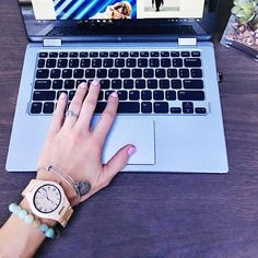 Every cool girl needs a #coolwatch like this Jord Wood Watch! You can enter for a chance to win your very own Jord by clicking on the link in my Bio to 1) get a $25 coupon towards any #jordwoodwatches or 2) Enter for a chance to win your very own Jord! You have until 3/5/17 to enter this awesome #giveaway  P.S. Happy Weekend!