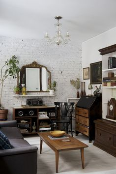 A Small Space Makeover in Downtown Manhattan - Home Tours 2014 - Lonny. home decor and interior decorating ideas. Living Room Decor, Living Spaces, Sweet Home, Vintage Industrial Furniture, Industrial Design, Industrial Lighting, Industrial Chic, Rustic Furniture, Outdoor Furniture