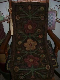 My Hooked Rug Penny & Floral Design.