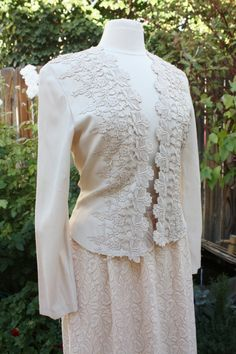 1980's Lace Jacket Beige Light Tan Ecru Victorian Fitted Size 4 Small Cottage Chic Romantic Bridal Hipster Small on Etsy, CHF35.55