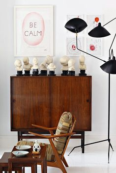 the no-rules/non-decorating approach to interior design is gaining ground steadily. A close friend to, and sometimes inseparable from, the good ol' eclectic style. Laid-back, funny and personal.