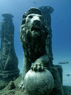 ✣ Sunken City of de Ancient World - City of Cleopatra  Lost for 1,600 years, the kingdom of Cleopatra was discovered off the shores of Alexandria, Egypt.  A team of marine archaeologists, led by Frenchman, Franck Goddio, began excavating the ancient city in 1998.   The Egyptian Government plans to create an underwater museum and hold tours of the site.  http://www.messagetoeagle.com/lostkingdomcleopatra.php