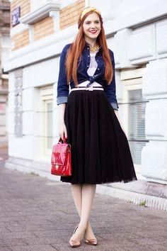 efebc96e1 Yellow Headband & Denim Outfit - Retro Sonja Fashion Blog Minimal Classic,  Classic Chic,