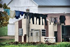 Amish Clothesline by Dallas Photographer David Kozlowski . Amish Store, Lancaster County Pennsylvania, Amish Country, Country Farm, Country Kitchen, Amish House, Amish Community, Wooden Fence, Countryside