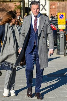 Discover the details that make the difference of the best unique people with a lot of Classic Style, Style Me, Classic Fashion, Best Street Style, Madrid, Best Mens Fashion, Fashion Looks, Men's Fashion, Gentleman