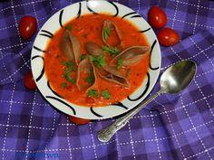 Moje Małe Czarowanie: Zupa pomidorowo - ogórkowa