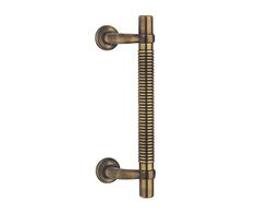 Brass pull handle for entrance door, designed and manufactured in Italy.  The pull handle Royal Righe is the perfect hardware for the main door of your home, since it is available in different finishes. #pull #handle #handles #italiandesin