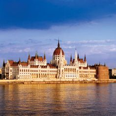 Budapest Combo: Hop-On Hop-Off Tour, Sightseeing Cruise on the Danube, coffee and cake in Historical Cafe Gerbeaud and a Typical Hungarian Meal in Hungary Europe Best European River Cruises, River Cruises In Europe, Mexico City, New Mexico, Romantic City Breaks, Avalon Waterways, Banaue, Tourism Day, Buda Castle