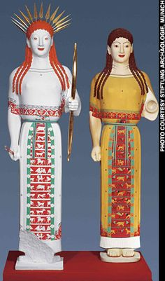 "Peplos"" kore, two color reconstructions (Photo courtesy Stiftung Archäologie, Munich)"