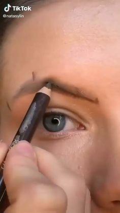 Eyebrow Makeup Tips, Makeup Tutorial Eyeliner, Eye Makeup Steps, Makeup Eye Looks, Beauty Makeup Tips, Contour Makeup, Smokey Eye Makeup, Skin Makeup, Eyebrow Tutorial With Pencil