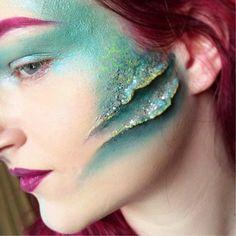 Steffie alien Dark Bald Cap Green and purple coloring Black lips Mermaid Bra, Mermaid Makeup, Mermaid Headpiece, Special Makeup, Special Effects Makeup, Sfx Makeup, Costume Makeup, Demon Makeup, Siren Costume