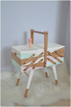 03 Pastel Room Decor, Pastel Living Room, Diy Interior, Pastel Interior, Wooden Sewing Box, Vintage Sewing Box, Furniture Makeover, Diy Furniture, Wood Crafts