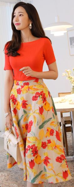 52 Ideas For Skirt Long Outfit Floral Prints Flare Skirt Outfit, Skirt Outfits, Dress Skirt, Orange Skirt Outfit, Modest Outfits, Classy Outfits, Modest Fashion, Fashion Outfits, Dress Fashion