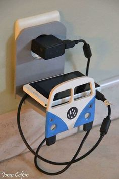 VW Phone Charging Shelf (photo only) Wood Projects, Woodworking Projects, Vw Accessories, Wood Crafts, Diy And Crafts, Ideias Diy, Scroll Saw Patterns, Volkswagen Bus, Wood Art