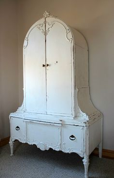 Shabby Chic Armoire, this would be so cute to keep my dog kids clothes in! Shabby Chic Cottage, Shabby Chic Homes, Shabby Chic Style, Shabby Chic Decor, Colorful Furniture, Cool Furniture, Painted Furniture, Armoire, Shabby Chic Home Accessories