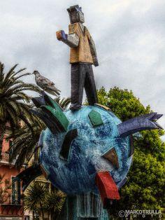 "Pigeon ""On Top of the World"" fountain by Ugo Nespolo | #Loano"