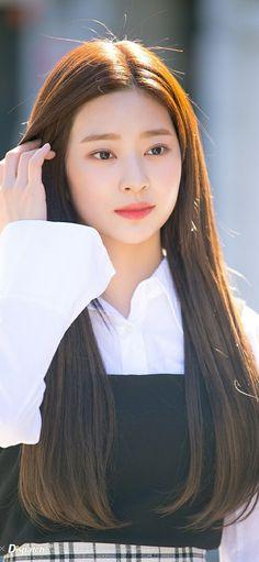 Kim Min, Korean, Beautiful Women, Kpop, Random, Beauty, Fashion, Shopping, Moda