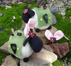 Adorable little sheep! Great pin cushion for spring!