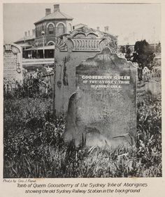 Rare photo: Tomb of Queen Gooseberry of the Sydney tribe of Aborigines, Showing the old Sydney Railway Station in the background. Sacred Architecture, Australian Architecture, Historical Architecture, Great Photos, Old Photos, Aboriginal History, Sydney City, Famous Landmarks, Historical Pictures