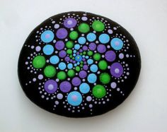 Bohemian dot art-mandala stone-painted rock-summer por RockArtiste