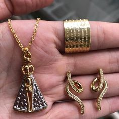 Essas semijóias são muito sofisticadas, elegantes e suntuosas. ☎️ WhatsApp 11 94154-3140  #UsoAnittaStore #AnittaStore #Moda2018 #Acessórios #modafashion #modaparamulheres #modafeminina #modão #modas #Estilo #glamour #semijoiasdeluxo #semijoias #semijoiaslindas #anel #colar #brincos #nossasenhora #religiosos