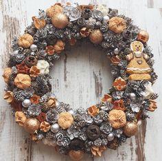 Christmas wreath door hanger rustic shabby chic vintage