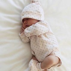 Buy Princess Wedding Dress for Toddler and Baby Girl So Cute Baby, Baby Kind, Cute Baby Clothes, Cute Kids, Cute Babies, Cap Baby, Wiedergeborene Babys, Foto Baby, Cute Baby Pictures